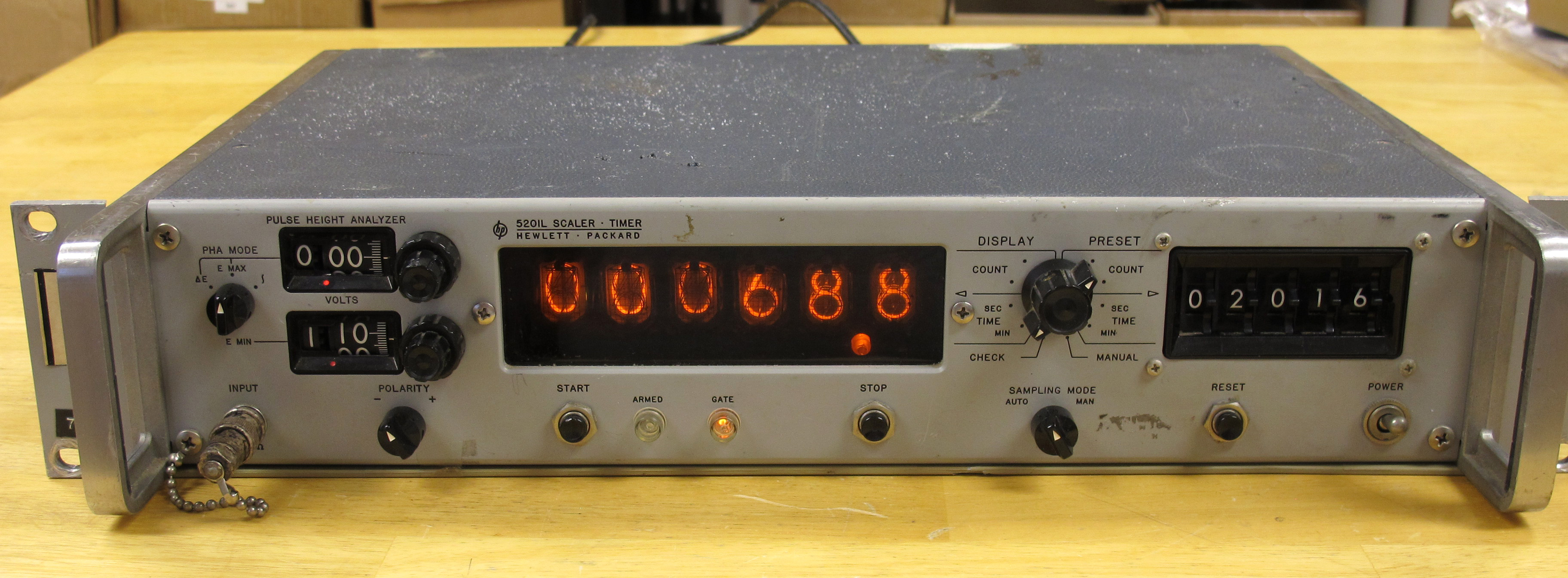 Hp 5201lpulse Height Analyzer Scaler Timer Circa 1966 Page 1 Amplifier At First I Was Looking It As A Cheap Source Of Nixies For Clock Or To Gut The Insides And Turn Whole Thing Into